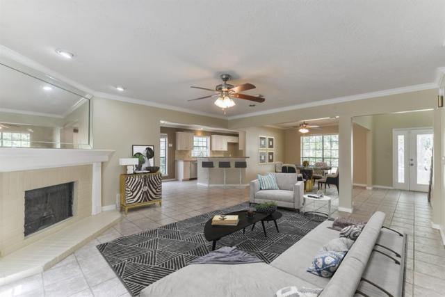 2815 Sea Ledge Drive, Seabrook, TX 77586 (MLS #46926979) :: The SOLD by George Team