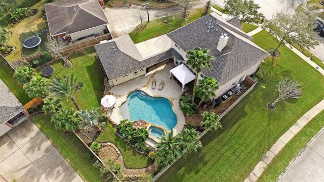 902 High Ridge Circle, Friendswood, TX 77546 (MLS #47020774) :: The Kevin Allen Jones Home Team