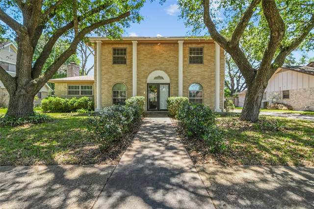 212 Palm Aire Drive, Friendswood, TX 77546 (MLS #47097794) :: The Bly Team