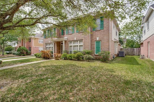 3014 High Castle Court, Houston, TX 77059 (#47102664) :: ORO Realty