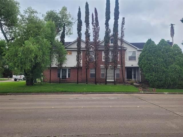 9302 Corner Oaks Lane, Houston, TX 77036 (MLS #47260728) :: Lerner Realty Solutions