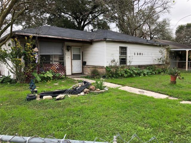 1301 Cedarwood Drive, Pasadena, TX 77502 (MLS #47266058) :: The Queen Team