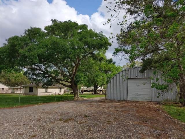 2042 County Road 99, Alvin, TX 77511 (MLS #47289948) :: Ellison Real Estate Team
