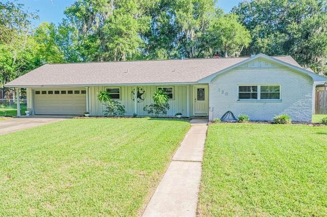 130 Daisy Street, Lake Jackson, TX 77566 (MLS #4734632) :: Michele Harmon Team