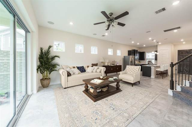 10409 Quiet Courtyard Road, Houston, TX 77043 (MLS #47350093) :: The Bly Team