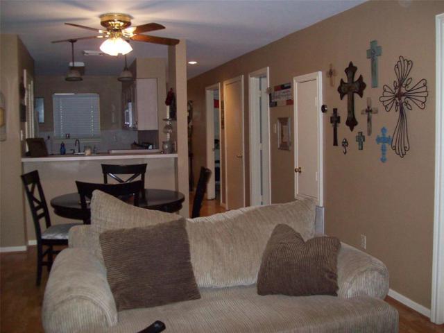 211 D Lakeview Terrace, Conroe, TX 77356 (MLS #47355668) :: Christy Buck Team