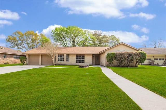 4315 Meadow Glenn Drive, Dickinson, TX 77539 (MLS #47401428) :: The Home Branch