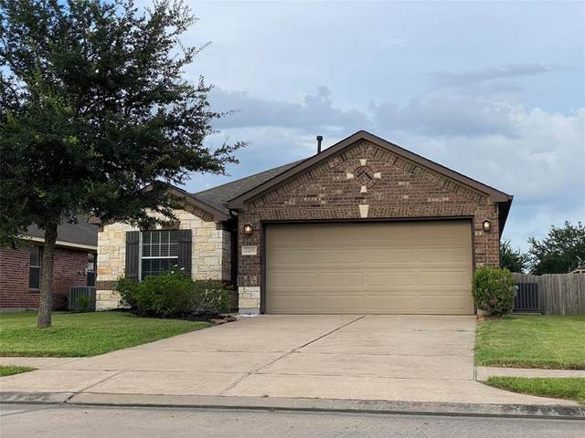 3305 Southern Green Drive, Pearland, TX 77584 (MLS #47445385) :: The Property Guys
