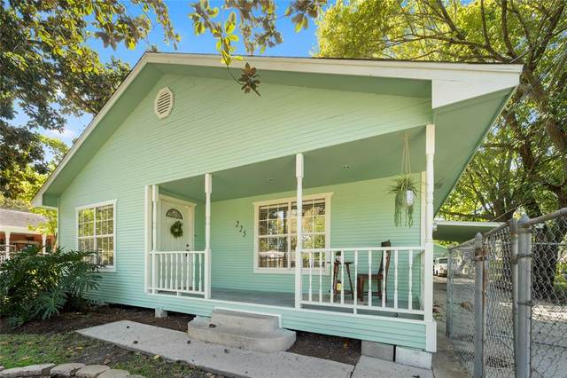 225 W Marion Street, Clute, TX 77531 (MLS #47537444) :: Michele Harmon Team