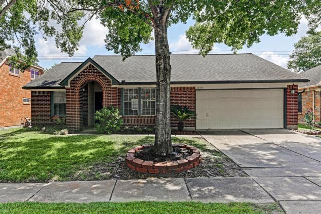 16027 Surrey Woods Drive, Friendswood, TX 77546 (MLS #47725277) :: Texas Home Shop Realty