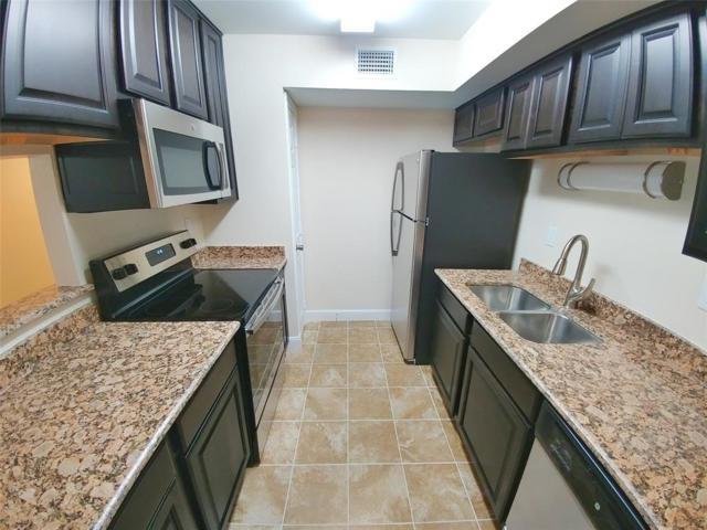 1880 White Oak Drive #105, Houston, TX 77009 (MLS #47748442) :: Giorgi Real Estate Group