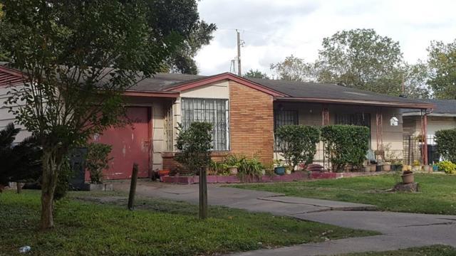 5915 Van Fleet Street, Houston, TX 77033 (MLS #47934834) :: The SOLD by George Team