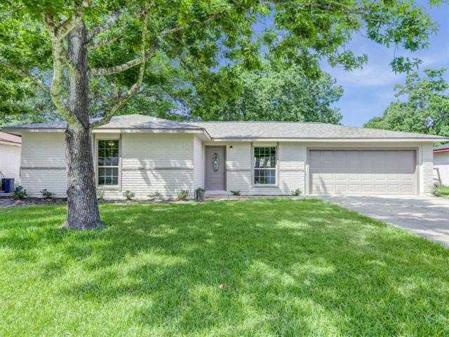 16626 Forest Bend Avenue, Friendswood, TX 77546 (MLS #47963183) :: The Bly Team