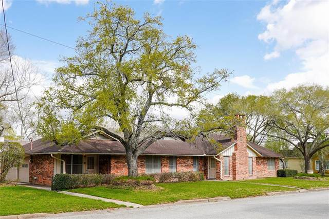 610 Heights Street, El Campo, TX 77437 (MLS #48109747) :: The Bly Team