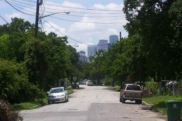 219 Super St Street, Houston, TX 77011 (MLS #48179783) :: The SOLD by George Team