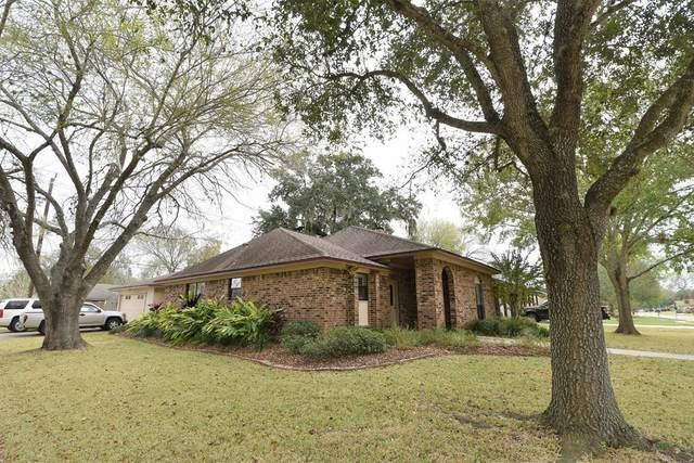 154 Daffodil Street, Lake Jackson, TX 77566 (MLS #48294440) :: The Property Guys