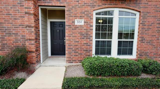 305 Holleman Drive E #304, College Station, TX 77840 (MLS #48388171) :: Lerner Realty Solutions