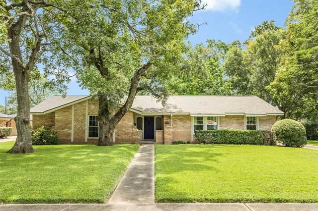 316 Linden Lane, Lake Jackson, TX 77566 (MLS #48604066) :: Ellison Real Estate Team