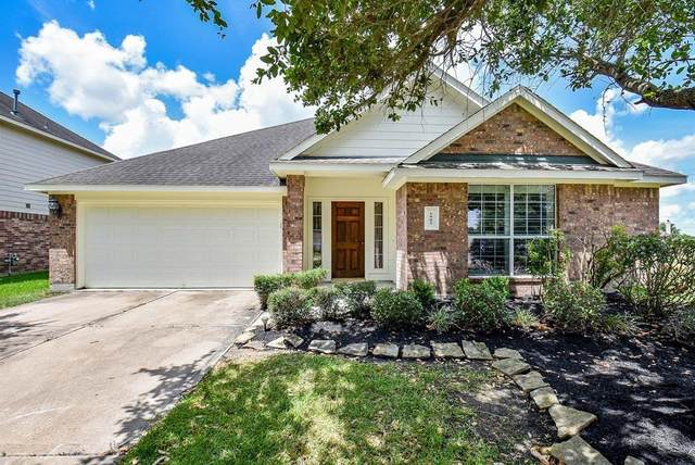 1902 Orchard Spring Drive, Pearland, TX 77581 (MLS #48686922) :: Christy Buck Team