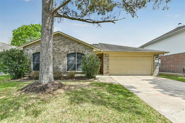 2711 Glen Cullen Lane, Pearland, TX 77584 (MLS #48922793) :: Lisa Marie Group | RE/MAX Grand