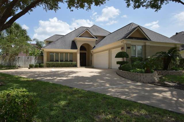 108 Del Mar Street, Kemah, TX 77565 (MLS #48943230) :: Christy Buck Team