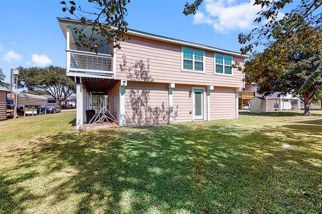 5 Backlash Avenue, Palacios, TX 77465 (MLS #4900612) :: The Property Guys