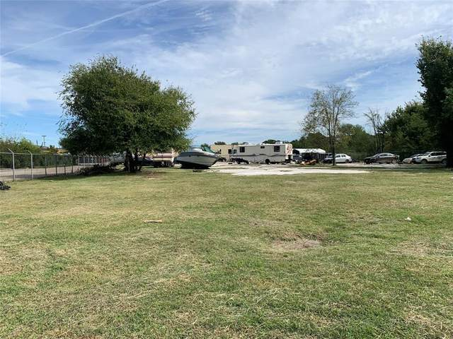 9337 Veterans Memorial Drive, Houston, TX 77038 (MLS #49109162) :: NewHomePrograms.com