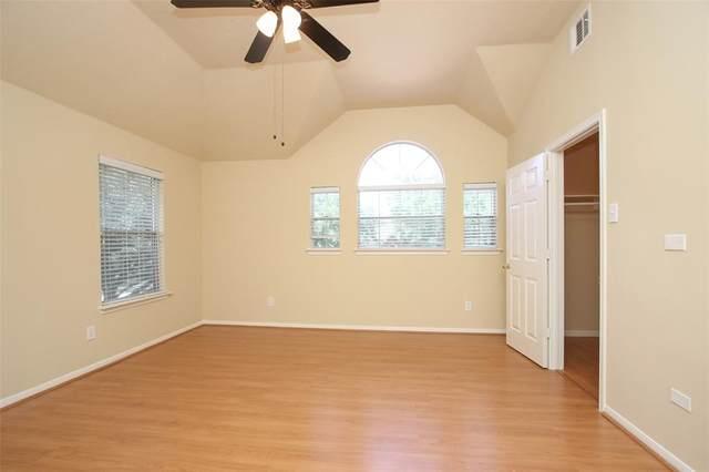 6402 Lauren Lane, Pearland, TX 77584 (MLS #49174562) :: Bay Area Elite Properties