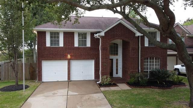 2205 Lord Nelson Drive, Seabrook, TX 77586 (MLS #49175449) :: Ellison Real Estate Team