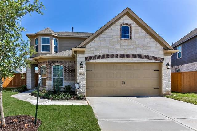 32707 Oak Heights Lane, Fulshear, TX 77423 (MLS #49181805) :: NewHomePrograms.com