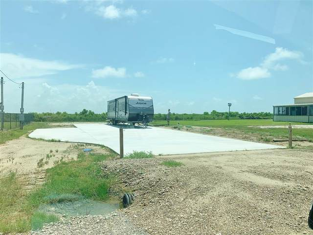 1484 Mabry, Gilchrist, TX 77617 (MLS #4924661) :: The Freund Group