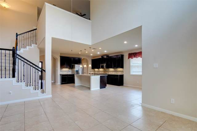 1903 Dry Willow Lane, Pearland, TX 77089 (MLS #49419355) :: JL Realty Team at Coldwell Banker, United
