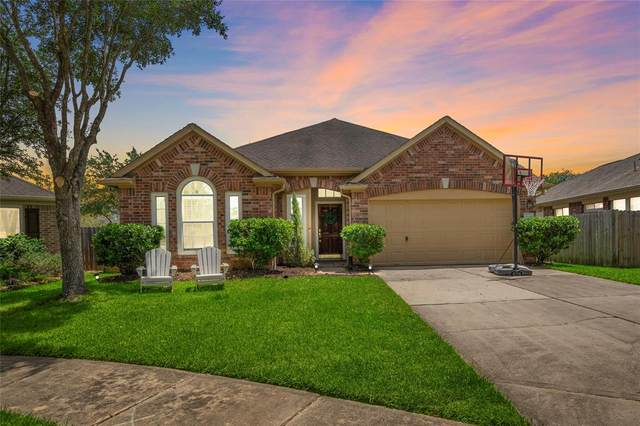 3207 Waterglen Court, League City, TX 77573 (MLS #49470798) :: The Freund Group