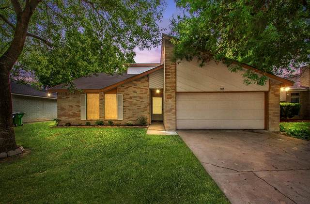 32 Ranch House Loop, Angleton, TX 77515 (MLS #4957438) :: The Home Branch