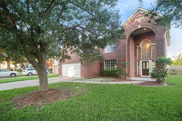 15747 Brookwood Lake Place, Sugar Land, TX 77498 (MLS #49583750) :: The Home Branch