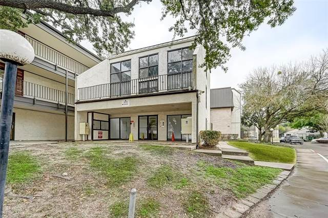 3015 Walnut Bend Lane #22, Houston, TX 77042 (MLS #49698405) :: Michele Harmon Team