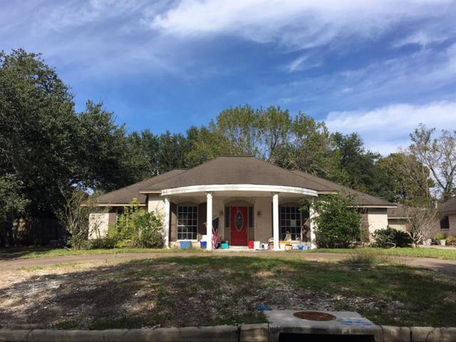 4905 E Live Oak Drive, Dickinson, TX 77539 (MLS #49701014) :: Texas Home Shop Realty