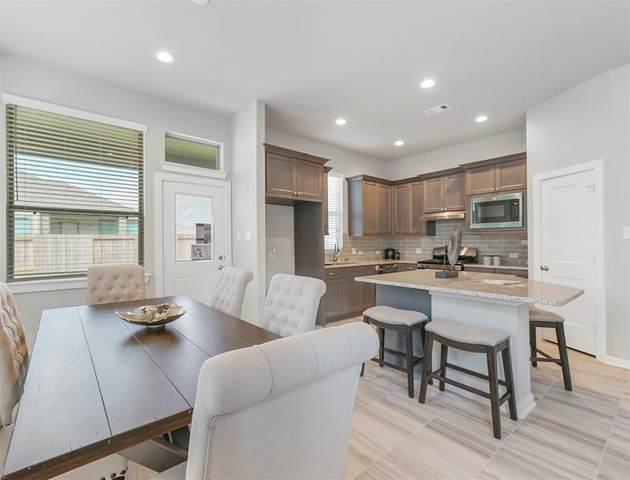 6823 Aspen Peak Drive, Baytown, TX 77521 (MLS #49815965) :: Green Residential