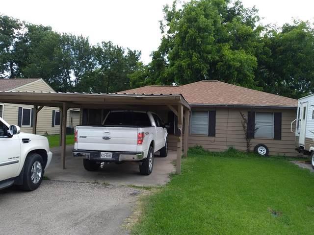 401 Farrer Street, Angleton, TX 77515 (MLS #49852645) :: Lerner Realty Solutions