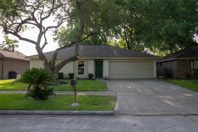 110 Greenshire Drive, League City, TX 77573 (MLS #49860984) :: Texas Home Shop Realty