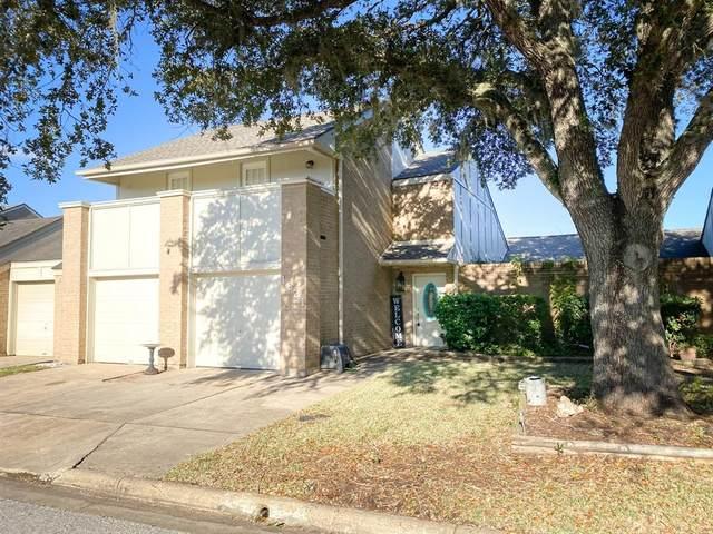 1821 Veranda Drive, West Columbia, TX 77486 (MLS #49927704) :: The Home Branch