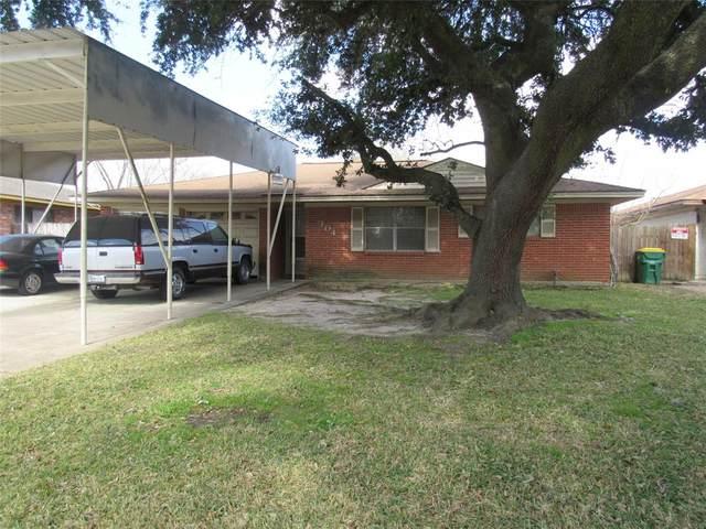 304 Pamela Drive, Baytown, TX 77521 (MLS #50089019) :: Caskey Realty