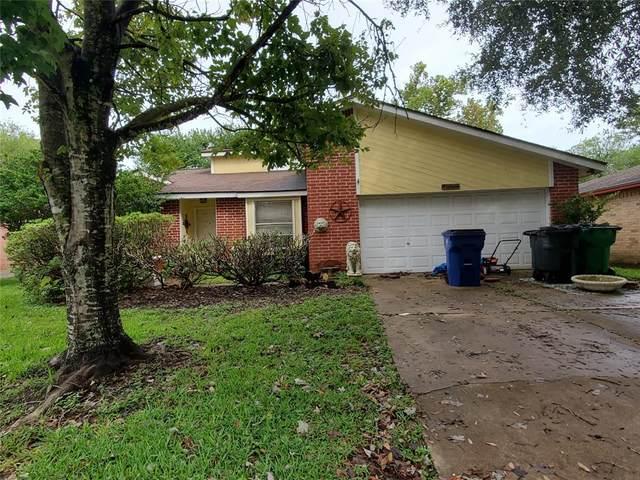 66 Ranch House Loop, Angleton, TX 77515 (MLS #50113046) :: Michele Harmon Team