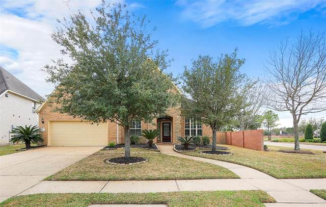 11916 Shady Sands Place, Pearland, TX 77584 (MLS #50156498) :: Ellison Real Estate Team