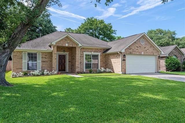 1046 Gladstone Drive, League City, TX 77573 (MLS #50174278) :: NewHomePrograms.com