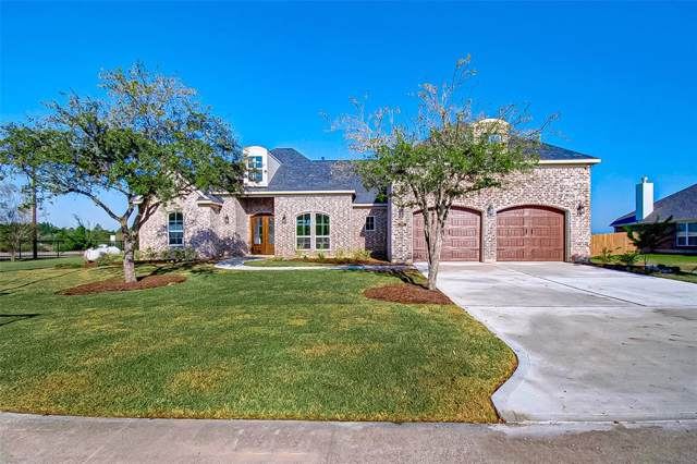11215 Kings Point Boulevard, Mont Belvieu, TX 77580 (MLS #50237456) :: Ellison Real Estate Team