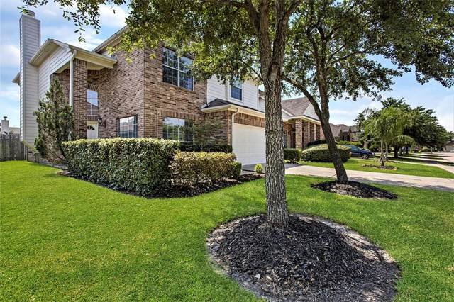 2007 Roaring Springs Drive, Pearland, TX 77584 (MLS #50433982) :: The Queen Team
