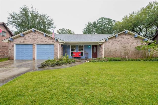 4906 Old Castle Lane, Dickinson, TX 77539 (MLS #50553892) :: The Sold By Valdez Team