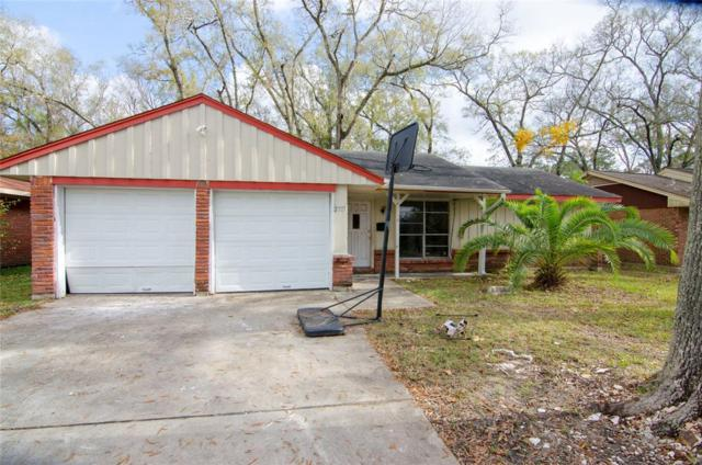 2717 Greenbriar Street, Dickinson, TX 77539 (MLS #50561597) :: Texas Home Shop Realty