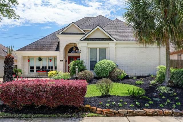 106 Las Brisas Street, Kemah, TX 77565 (MLS #50568974) :: Michele Harmon Team